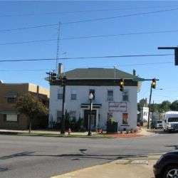 Commercial Building - Historic Downtown w/ Parking